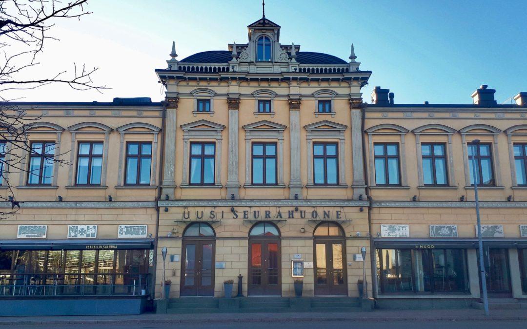 Kansa tungeksi Oulun seurahuoneelle – Tuotejohtamisen aamiaisseminaari kiinnosti, haastoi ja viihdytti!